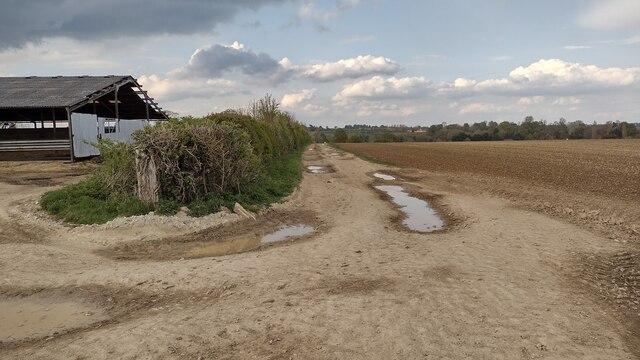 Path heading to Enstone Road