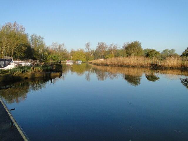 River Waveney in reflective mood