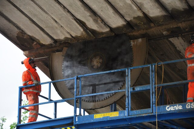 Removing the old concrete arches of Bletchley Flyover 3