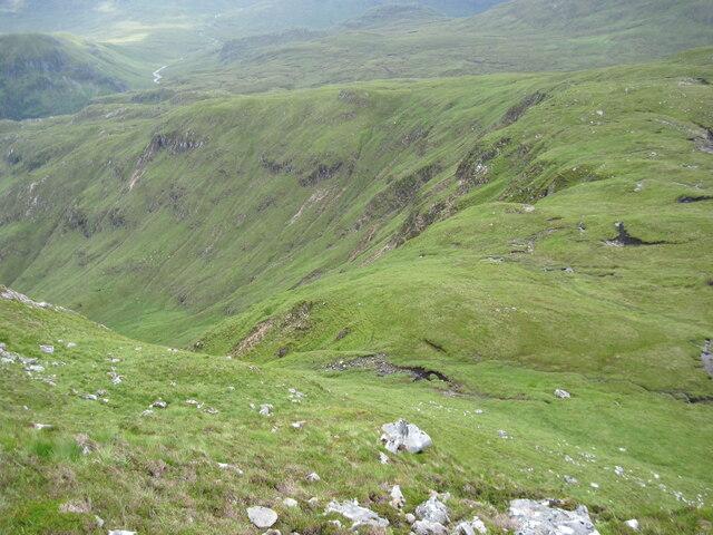 Below Carnan Cruithneachd