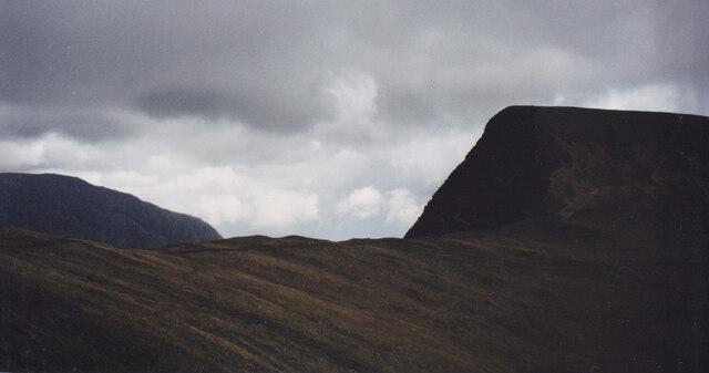 Climbing the backwall of Cwm Dudodyn towards Bwlch y Brecan