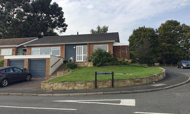 Houses on a slope, Berwick Close, Woodloes Park, north Warwick