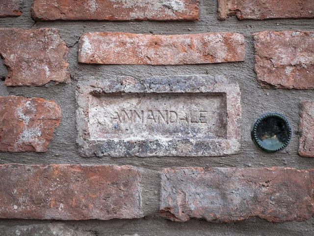 Annandale brick, Bangor