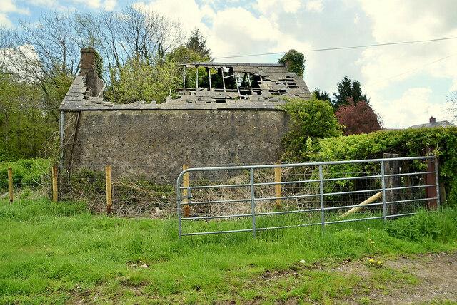Derelict cottage, Syonfin