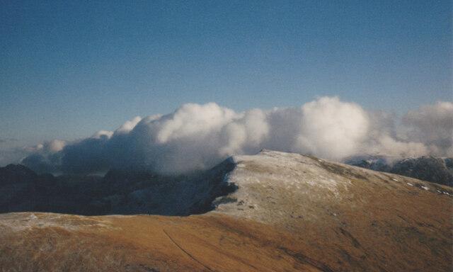 The summit of Y Garn from Elidir Fawr