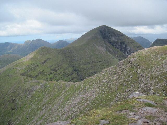 Northern ridge from Tom na Gruagaich to Sgùrr Mhòr