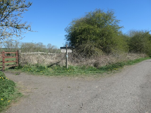 Footpath signpost on the Hudson Way