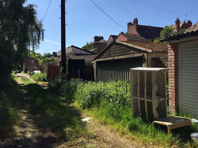 Rear access to Emscote Road houses, Warwick