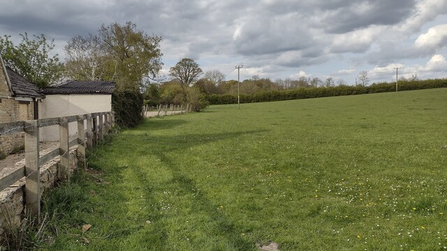 Path heading towards Bowles Farm