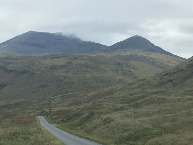Heading down the road to Fionnphort