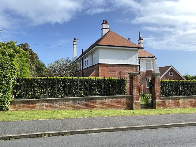 Side view of Easemore House, Homefield Road, Seaford