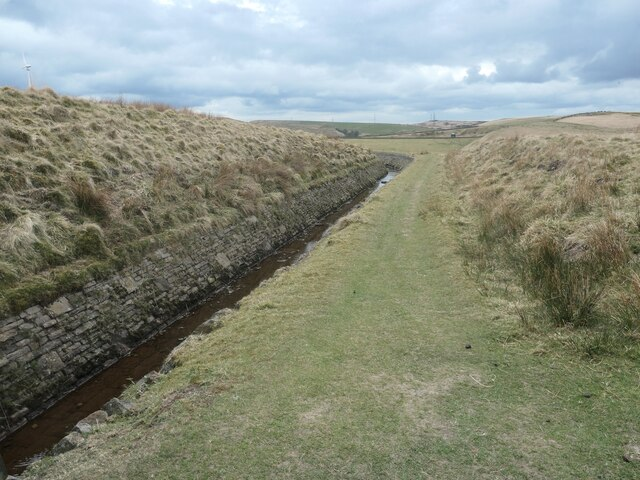 Rooden Catchwater, south of the Pennine Bridleway