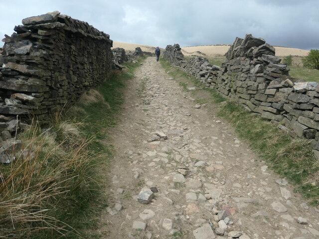 Climbing up towards Binns Pasture