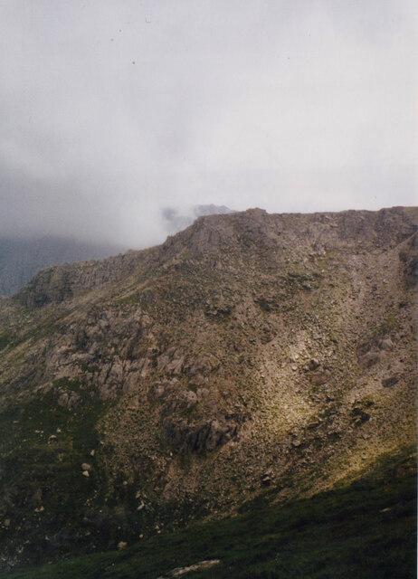 The summit of Y Garn from the Cwm Clyd ridge