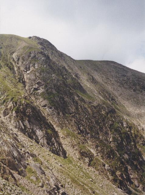 The backwall of Cwm Clyd from the Castell y Geifr ridge