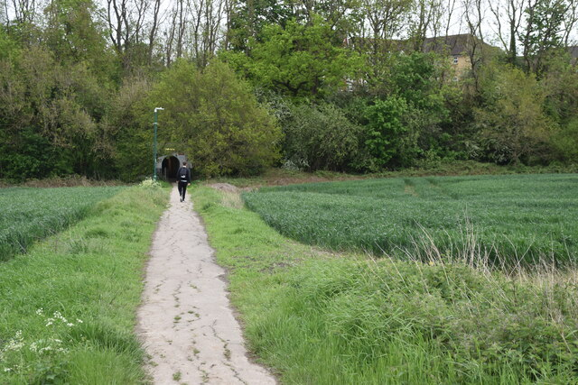 Footpath to Dunton Green railway station, from the village