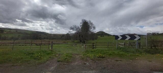 Gated track near Flusco Hill