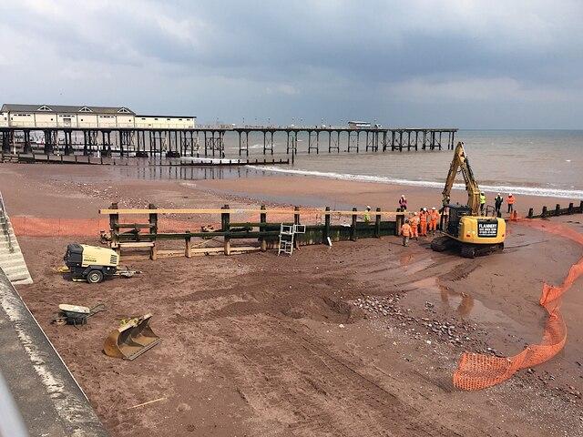 Repairing a groyne, main beach, Teignmouth