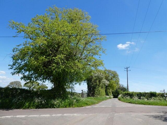 Crossroads on Thrubwell Lane