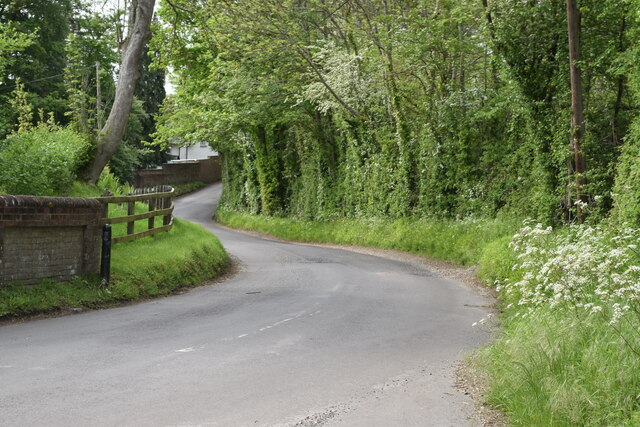 Shute End Road, from the bottom of Tunnel Hill