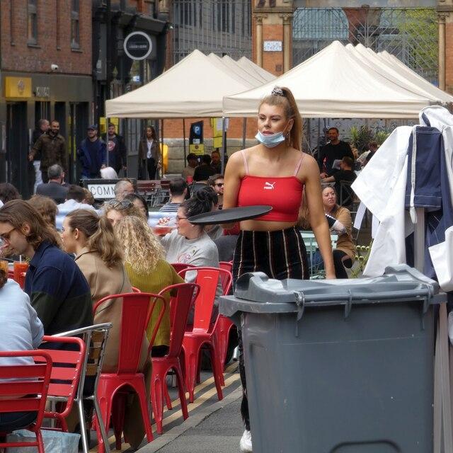 Al Fresco dining on Edge Street