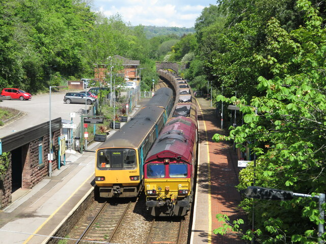 Passing trains at Llanishen