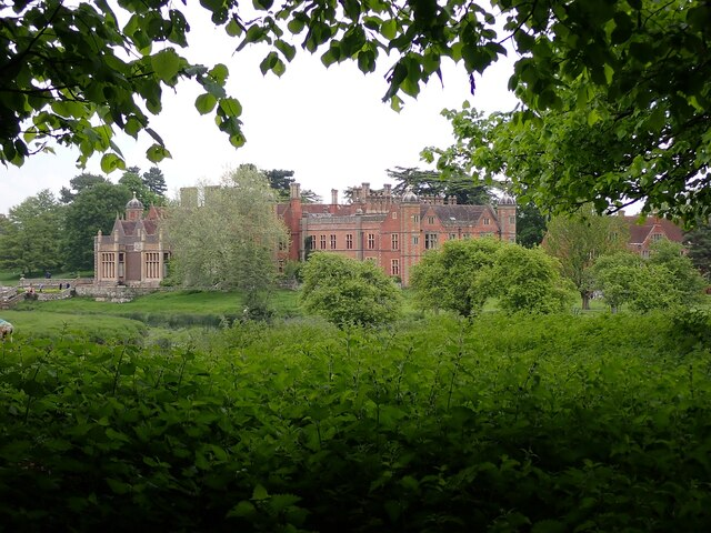 Charlecote Estate - House from the avenue to the West Gate