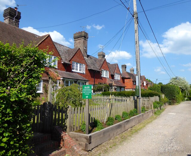 1-6, Perryhill Cottages, Perryhill Lane