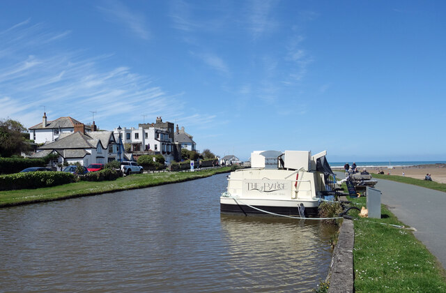 Floating Coffee Shop, Bude Canal