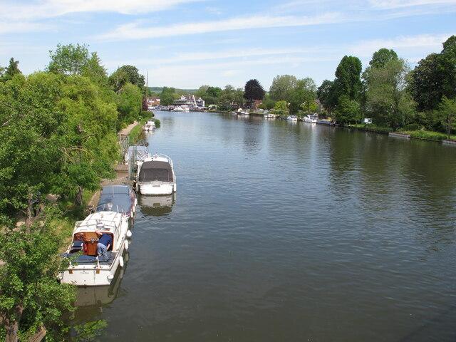 River Thames, Bourne End, from footbridge