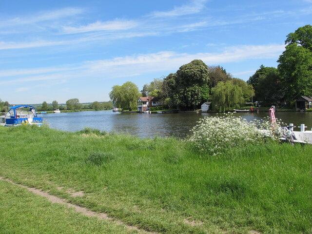Cookham Reach, River Thames