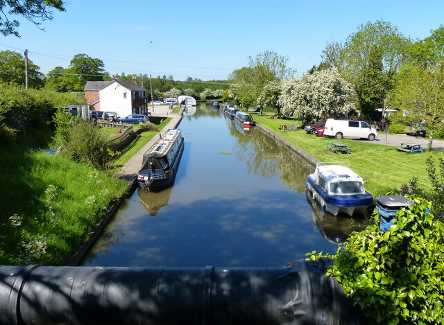 Worcester and Birmingham Canal near Broad Green