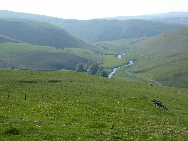 Grassy slopes heading down to Shillmoor