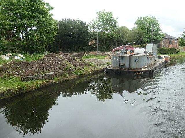 Bridgewater Canal, west of Ditchfield Bridge