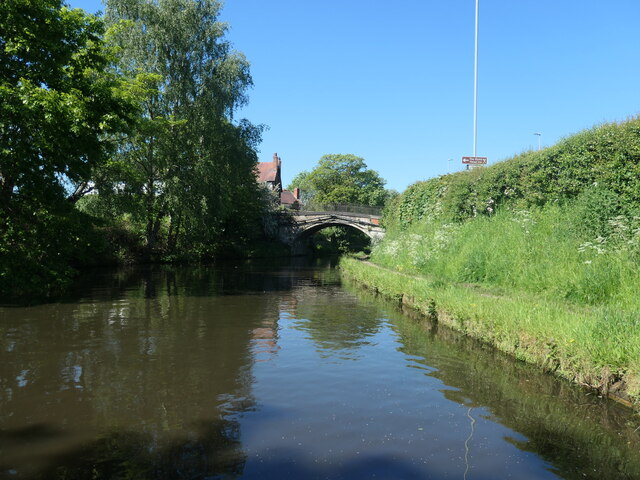 Stanny Lunt Bridge [No 16], from the east