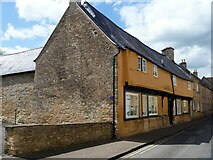 SP0202 : Cirencester houses [46] by Michael Dibb