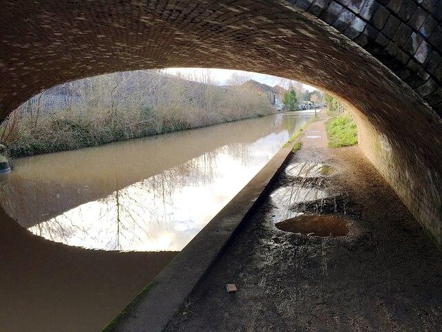 Through bridge 48 (Charles Street), Grand Union Canal, Warwick