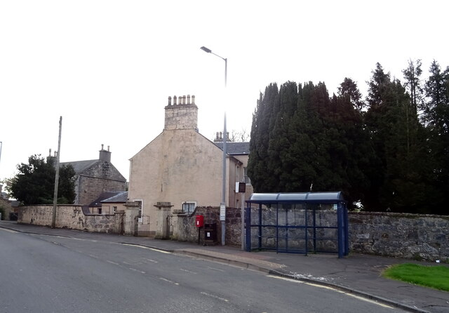 Bus stop and shelter on Lainshaw Street, Stewarton