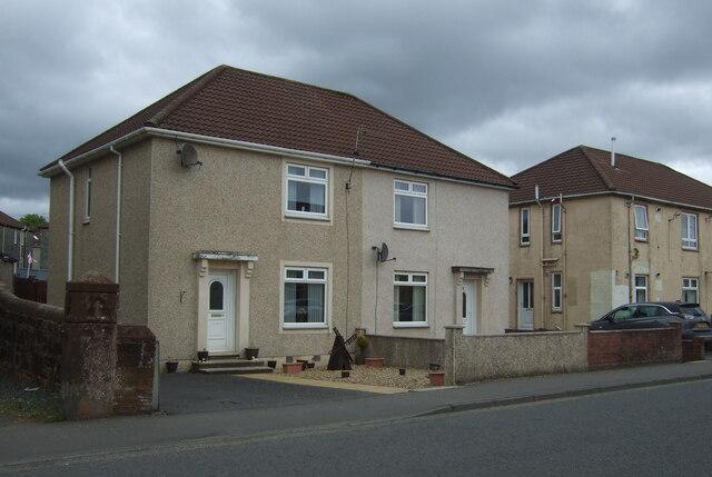 Houses on Kilmarnock Road, Crosshouse