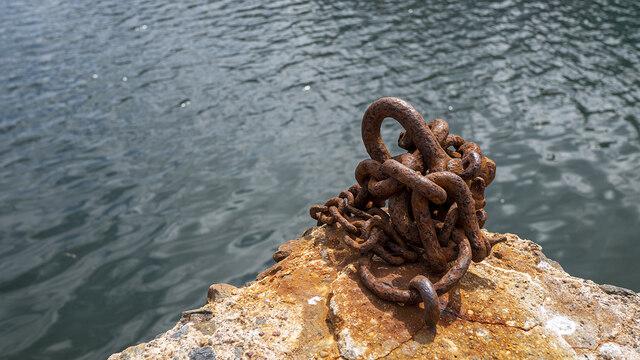 Rusted chain, Bangor