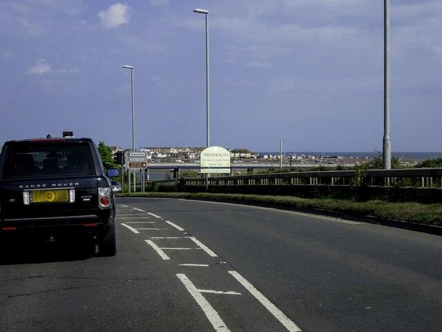 The A381 heading into Teignmouth
