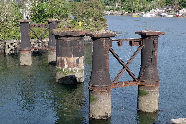 Old railway bridge - Hooe Lake