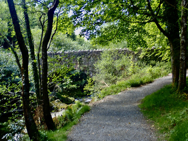 The Mourne Way approaching Parnell's Bridge over the Shimna
