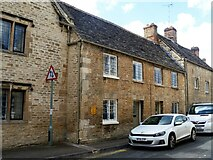 SP0202 : Cirencester houses [57] by Michael Dibb