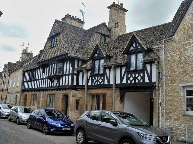 Cirencester houses [70]