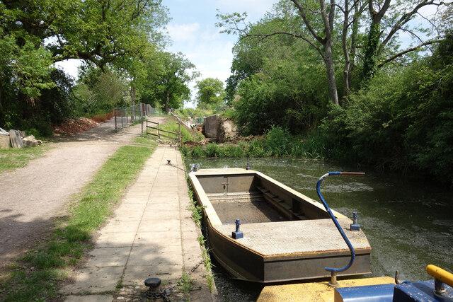 Restoration Work at Pewsham Locks