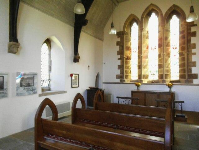 Dalehead St James, interior