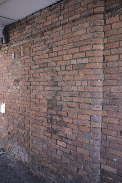 Bullnose brick
