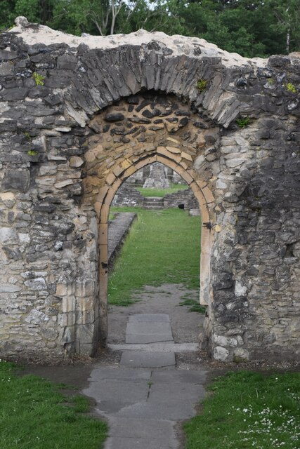 Archway leading into cloister, Lesnes Abbey