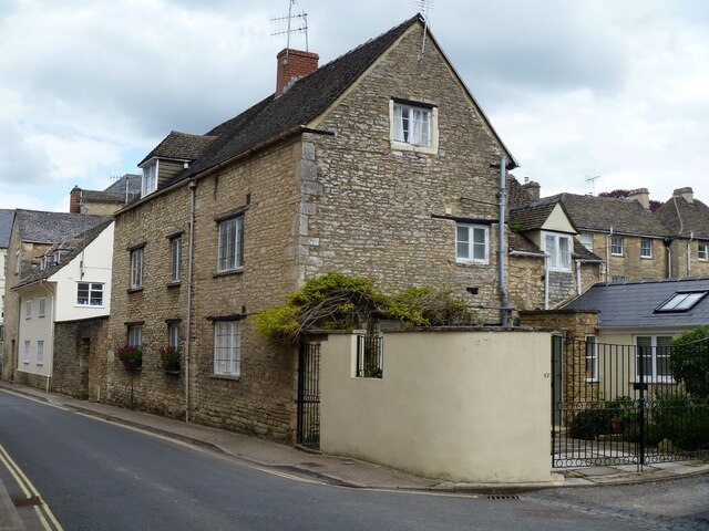 Cirencester houses [80]